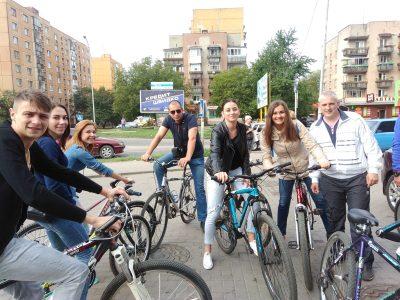 На велосипедах – на роботу ресторан Чарда вересень